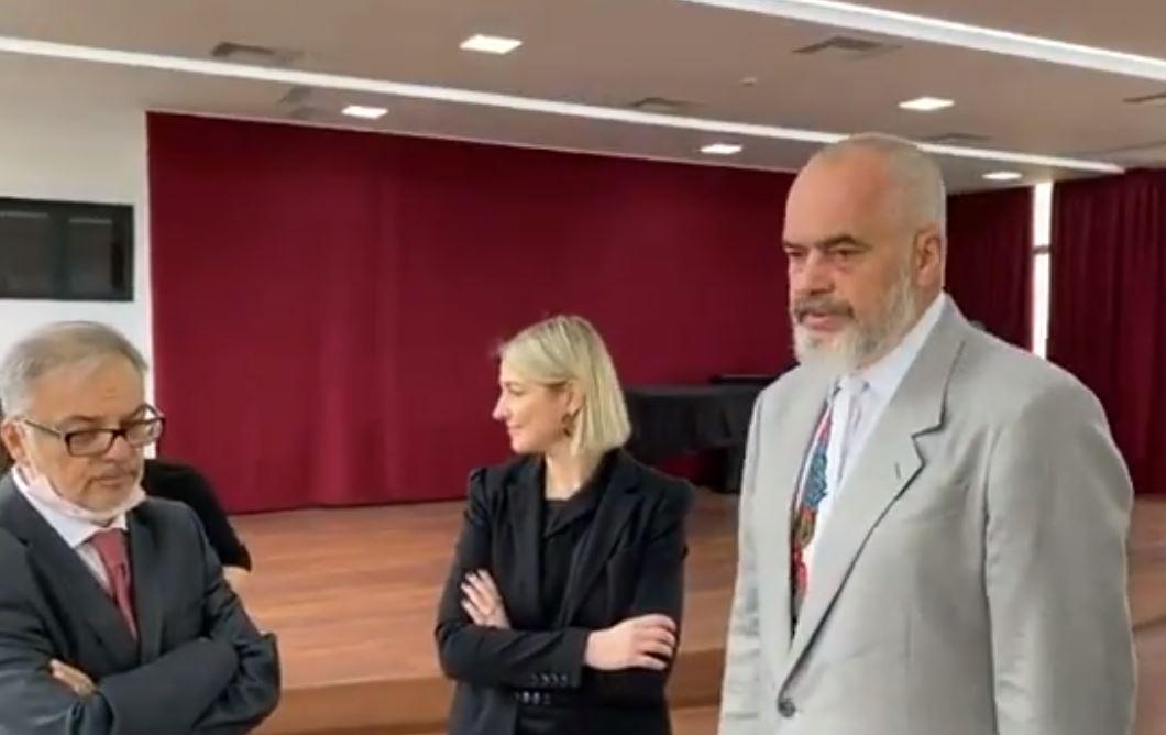 Rama inspekton restaurimin e Akademisë së Arteve: Mbetet gur i çmuar i trashëgimisë shqiptare