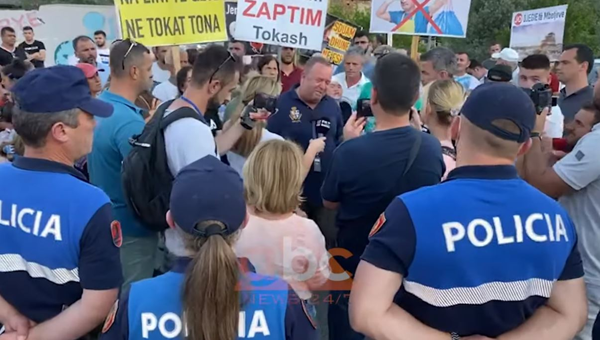 Banorët e Labinotit protestë kundër Rozafas, Gjergj Luca: Po të jetë njeri k*rderr, të futet brenda