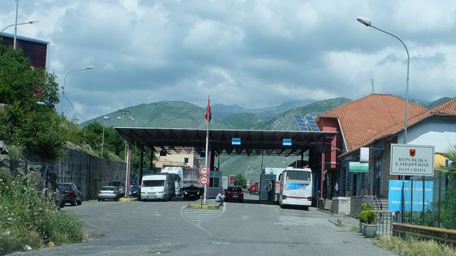 Mali i Zi mbyll kufirin me Shqipërinë
