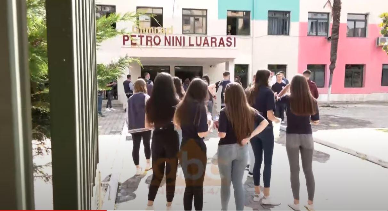 Provimi i fundit, sot maturantët testohen në lëndët me zgjedhje