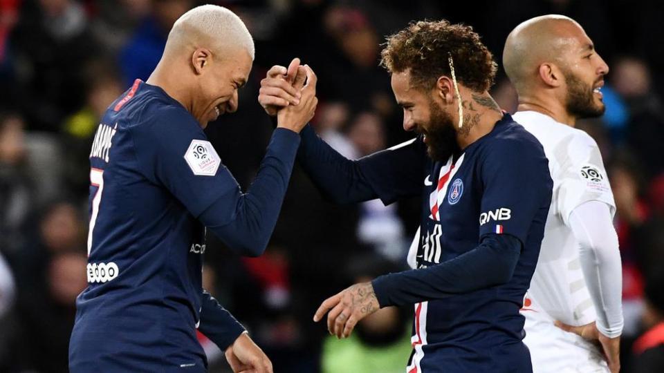 E ardhmja e Neymar dhe Mbappe, Ander Herrera i vë vulën