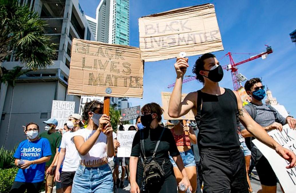 Shawn Mendes dhe Camila Cabello bashkohen me protestuesit në Miami