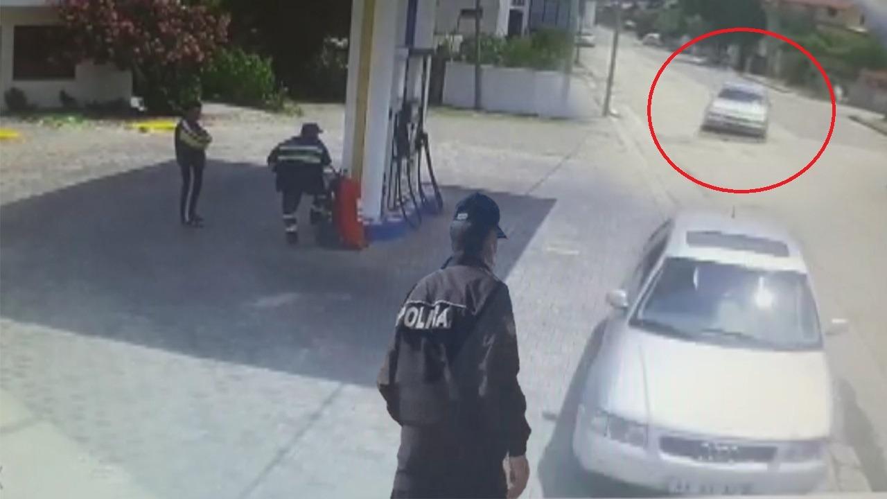 Pamje të frikshme nga Kavaja, shoferi humb kontrollin e automjetit e përplaset me shtyllën