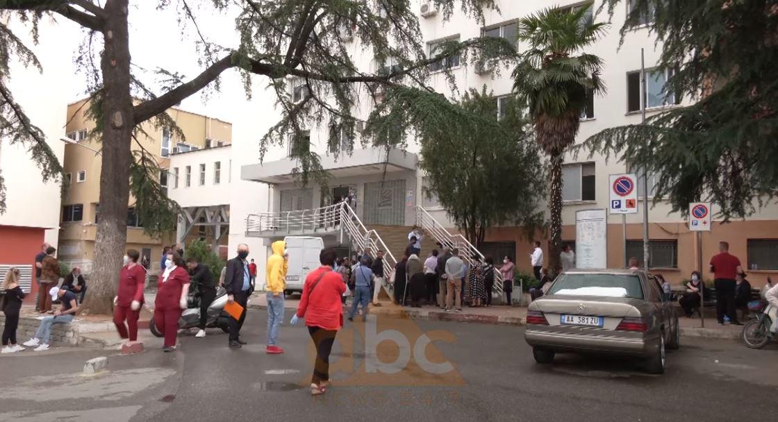 Mjekë të tjerë infektohen në spital, Pipero: Nuk po respektohen protokollet