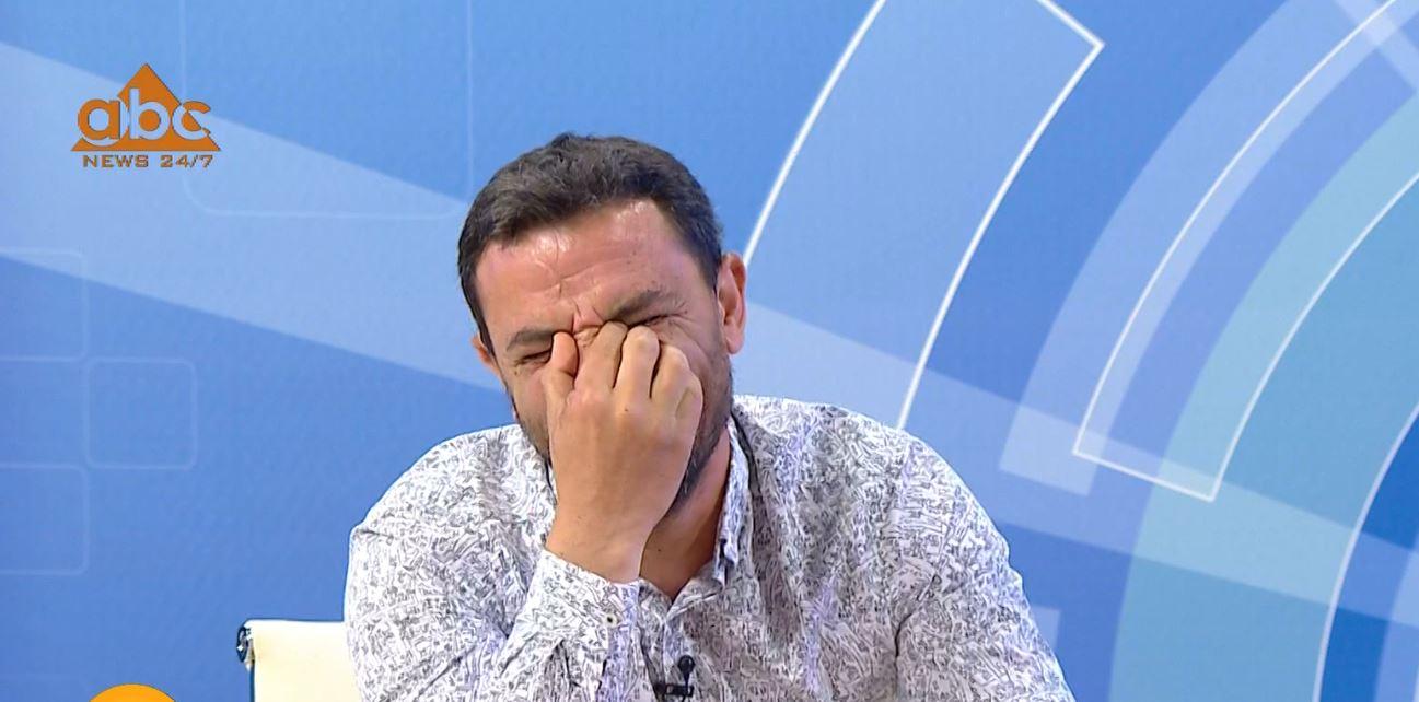 VIDEO/ Shpërthejnë të qeshurat në studion e Enkel Demit, çfarë i shkaktoi