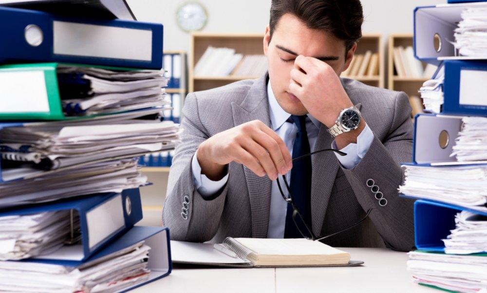 Shqiptarët të stresuar në punë, profesionet që po vuajnë më shumë pasojat e Covid-19