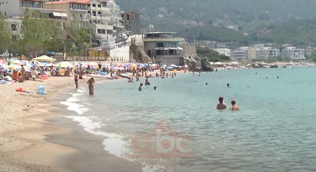 Ardhja e turistëve evropianë në pikpyetje për shkak të kufijve, operatorët turistike ulin çmimet