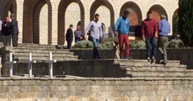 Deputeti: Shqipëria po mbushet me varreza greke me eshtra qensh