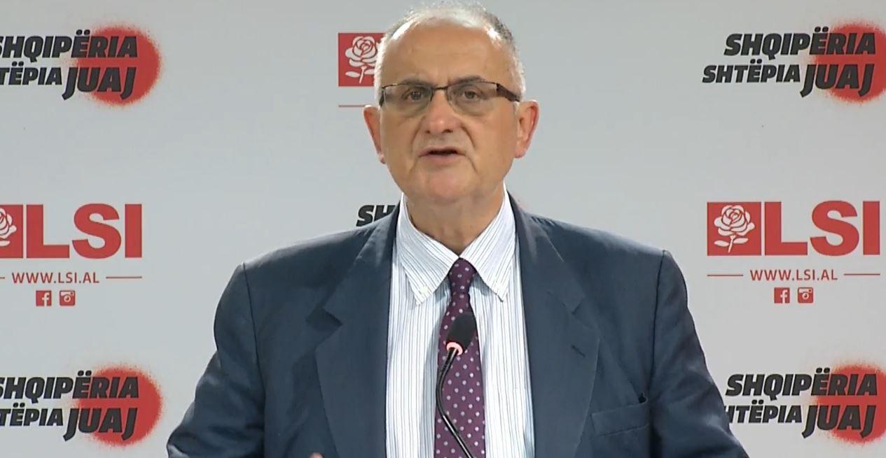 """Vasili 4 pyetje ambasadës së SHBA dhe BE: A jeni të lumtur që ONM nuk e """"begenis"""" askush"""