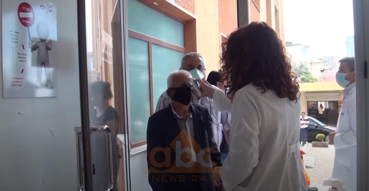 Shtohen rastet me COVID-19 në Shkodër, në Durrës dhe Korçë preken institucionet publike