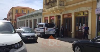 Kapen 21 klandestinë egjiptianë në një banesë në Vlorë, ndalohet pronari