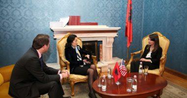 Dje u firmos marrëveshja, opozita parlamentare pritet sot në rezidencën e ambasadores Yuri Kim