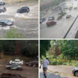 """SHBA, erërat fryjnë me 100 km/h, shkul pemët dhe rrugët shndërrohen në """"lumenj"""""""