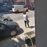 U fotografua rrugëve të qytetit, reagon këngëtarja me Covid-19: Isha në gjendje…