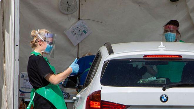 Vetëm 22% e të infektuarve në Britani kanë shenja të koronavirusit