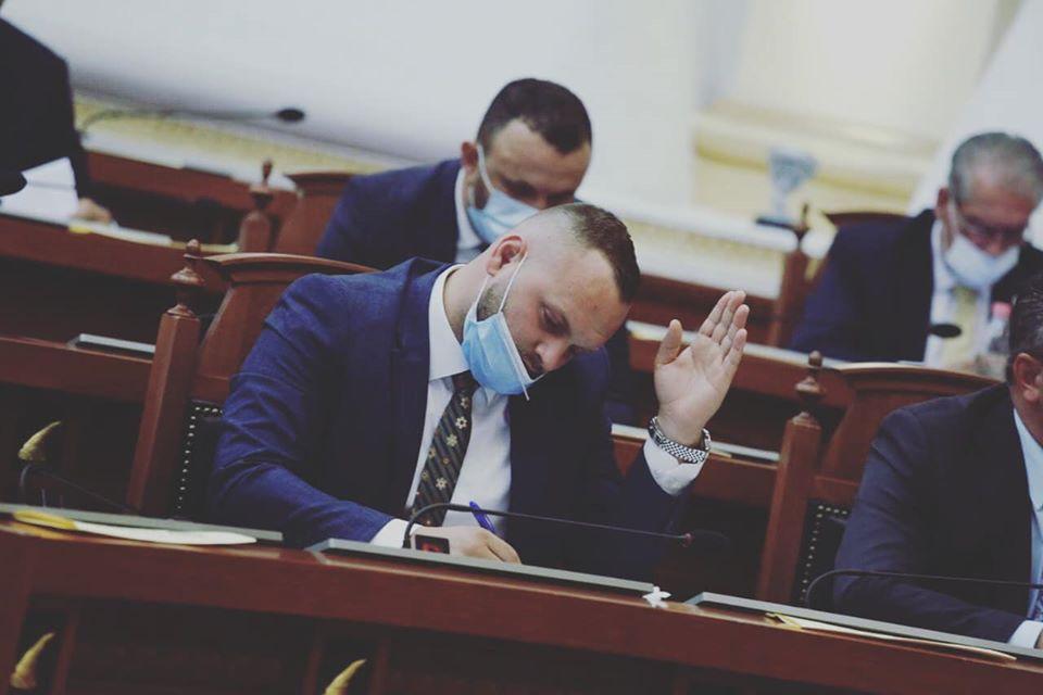 Valteri zbulon emrin e partisë së re opozitare: Lëvizja Demokratike Shqiptare, forca e ndryshimit
