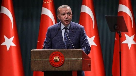 Presidenti turk Erdogan në krye të sondazheve pavarësisht koronavirusit dhe krizës ekonomike
