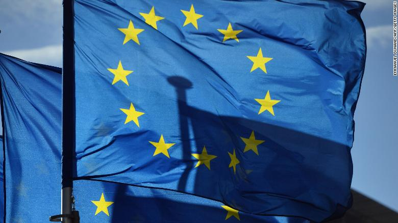 Ndalimi i udhëtarëve amerikanë nga Europa jep një mesazh poshtërues