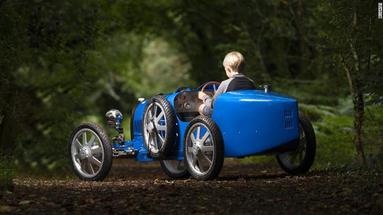 Mini Bugatti për fëmijë, del në treg makina elektrike me një vlerë marramendëse