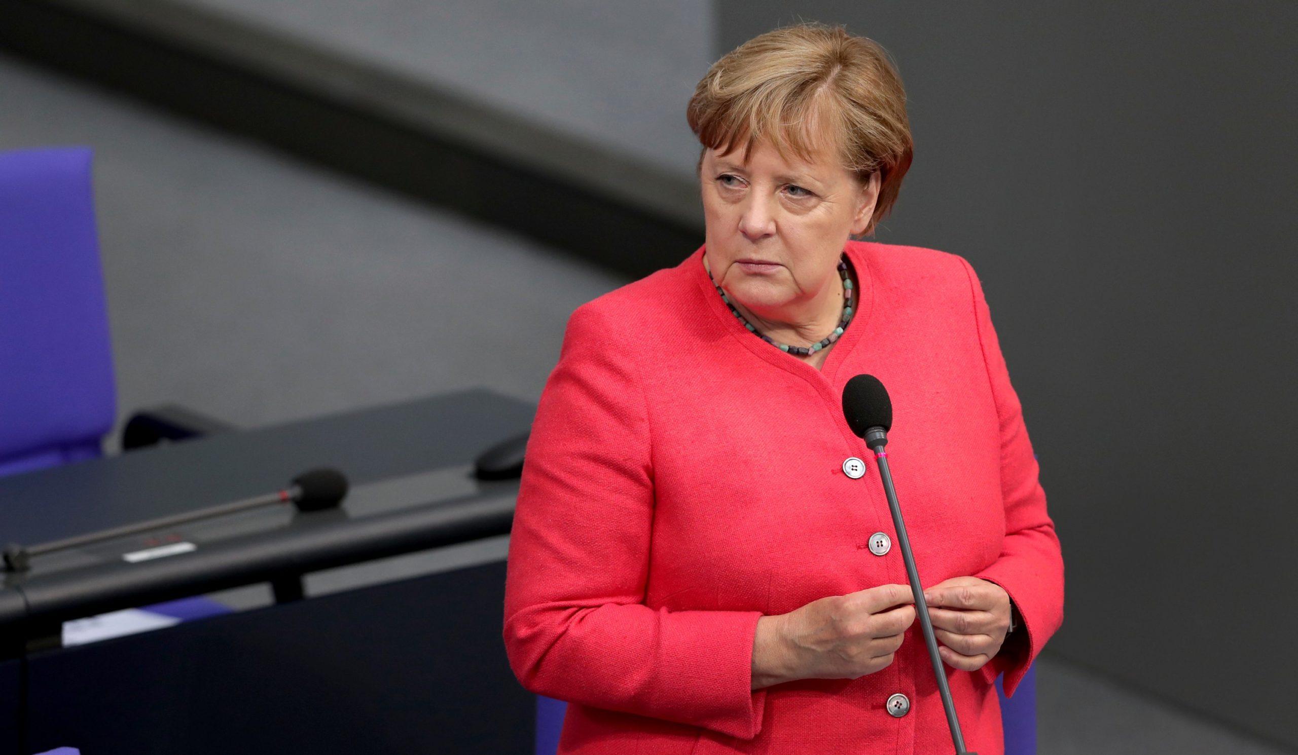 Merkel: Duhet të angazhohemi në negociata me Maqedoninë e Veriutdhe Shqipërinë