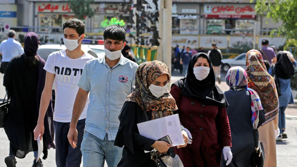 Rekord të infektuarish në Iran, rrezikohen nga koronavirusi edhe 35 milionë të tjerë