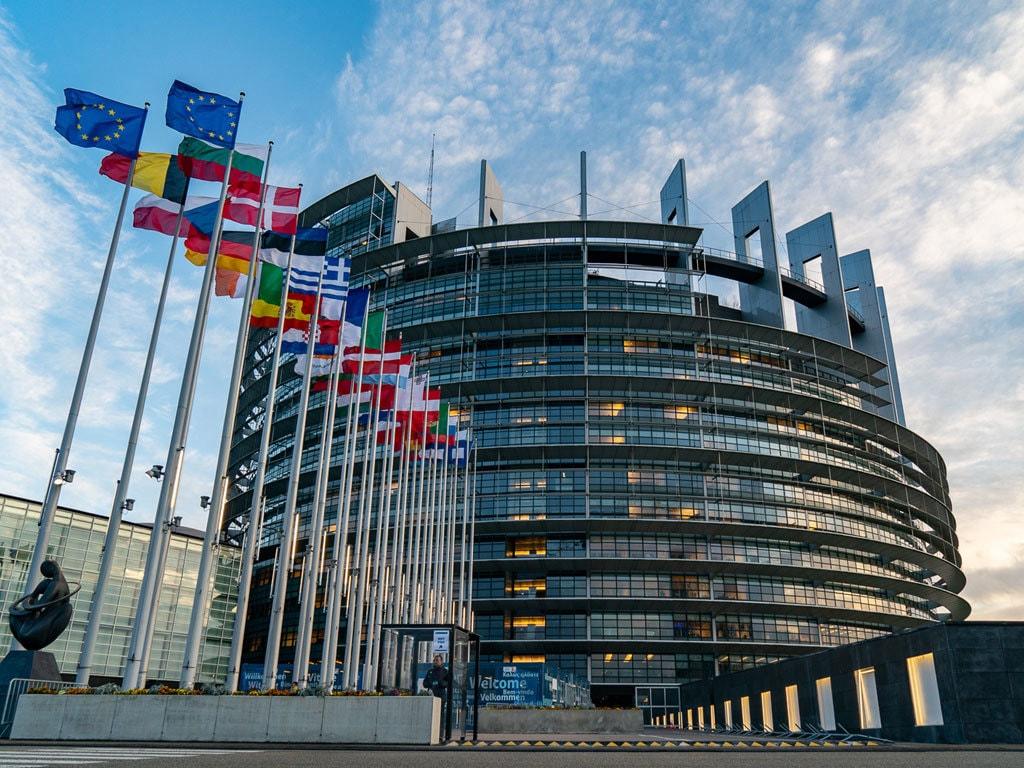 Parlamenti Europian paralajmëron se mund të pezullojë buxhetin e BE-së