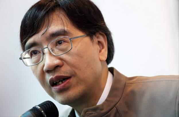 """Mjeku kinez akuza ndaj zyrtarëve në Wuhan: Zhdukën provat nga tregu ku """"buroi"""" Covid-19"""