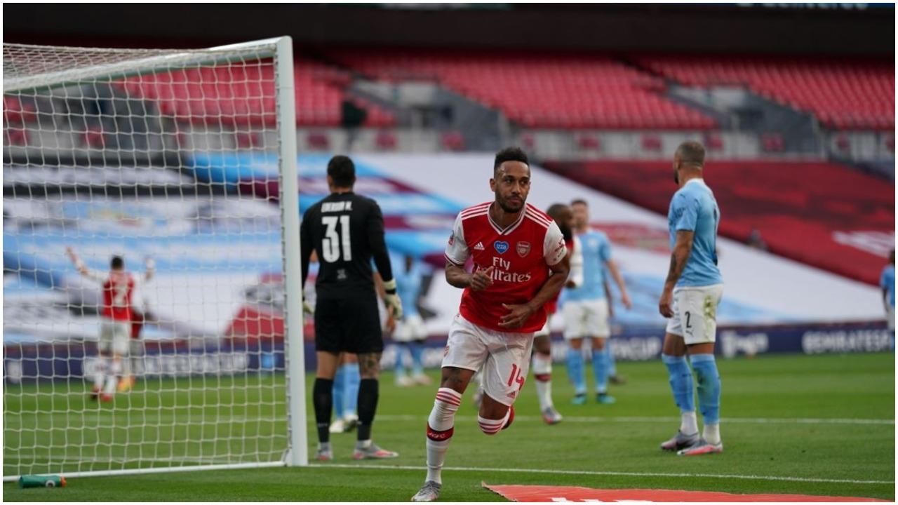 VIDEO/ Kapiteni fantastik, Aubameyang shtang Cityn dhe çon Arsenalin në finale