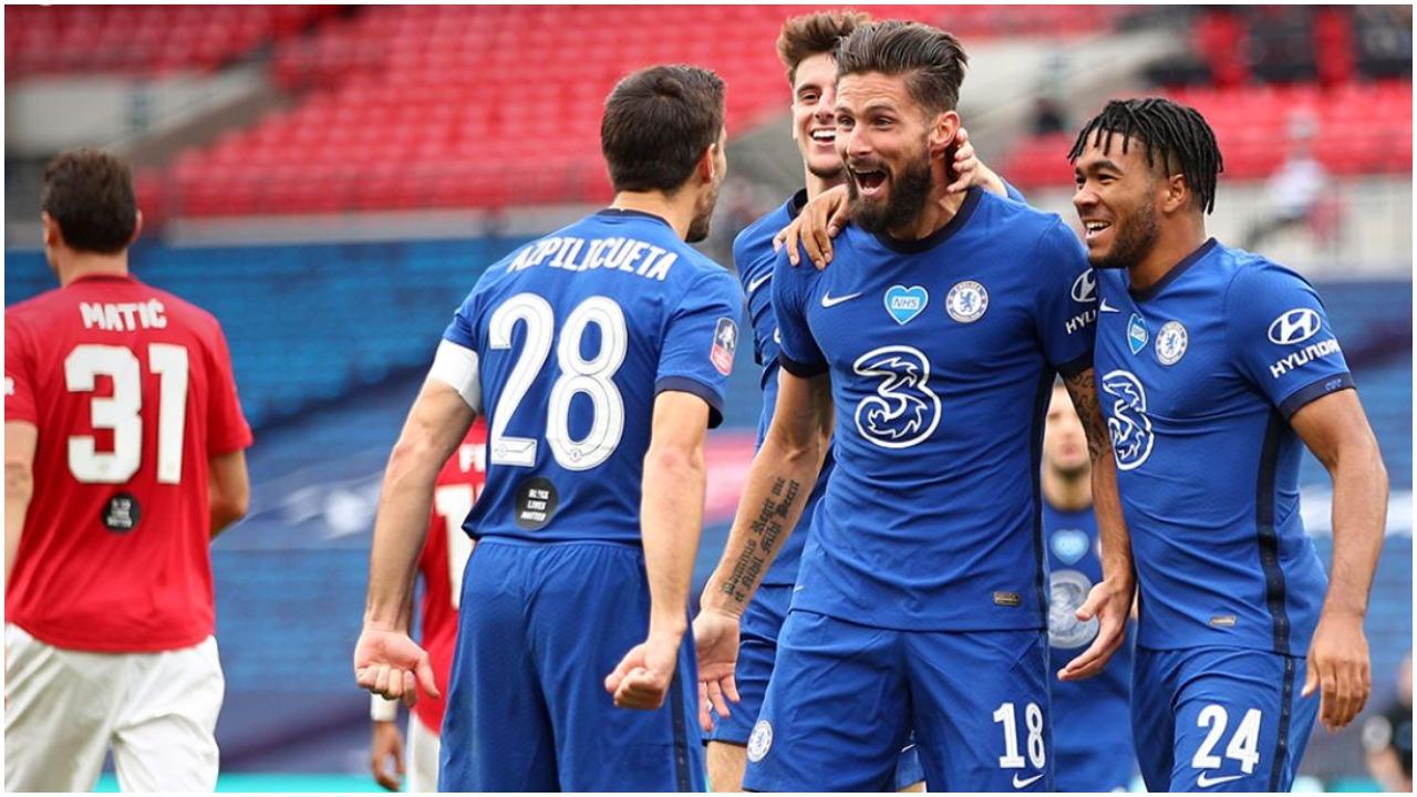 """Objektivi për mbrojtjen, Chelsea në garë me City për """"murin"""" uruguaian"""