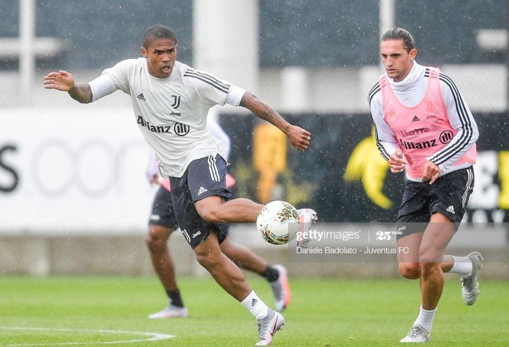 Zyrtare: Douglas Costa huazohet në Brazil, Juventusi publikon detajet