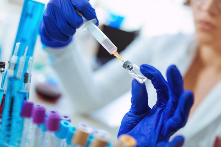 Vaksina për Covid-19, amerikanët nuk besojnë, anketat tregojnë se 1/3 nuk do ta bëjnë