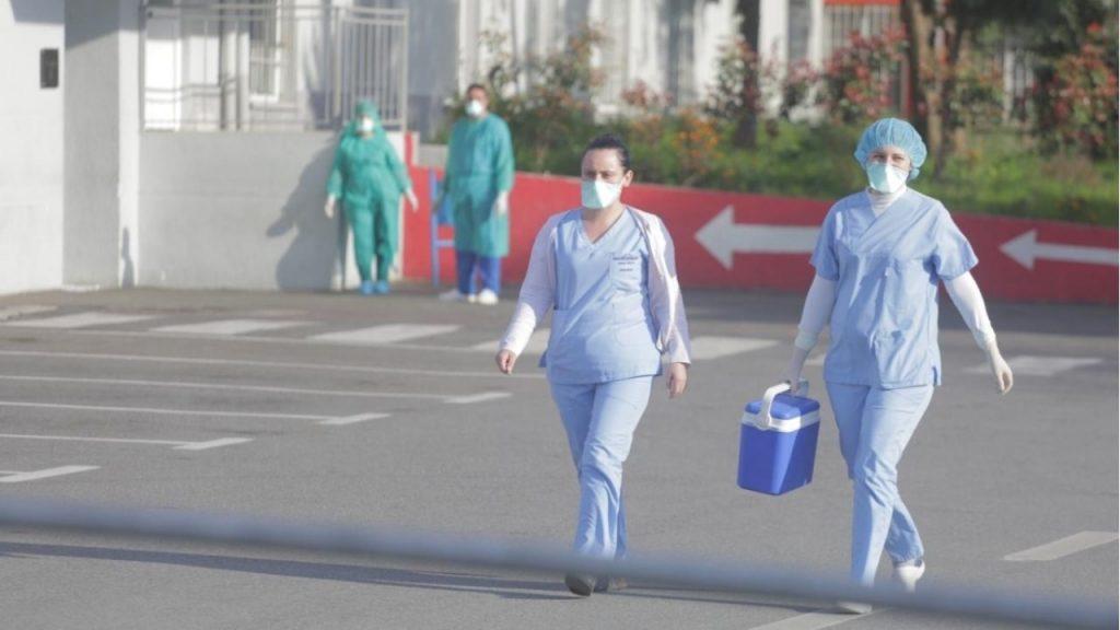 Rriten me 15 % rastet e reja me koronavirus në Shqipëri