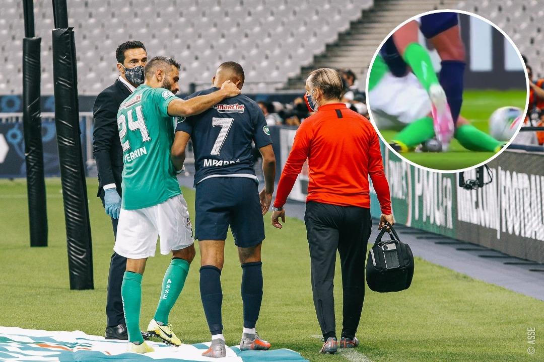 VIDEO/ Doli me paterica nga stadiumi, Mbappe reagon pas dëmtimit