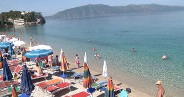 Ashpërsohen masat për bizneset në plazhe: Gjobë dhe pezullim të aktivitetit nëse shkelin masat