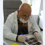 Covid-19 shënon viktimën e dytë në radhët e bluzave të bardha, ndërron jetë mjeku i familjes