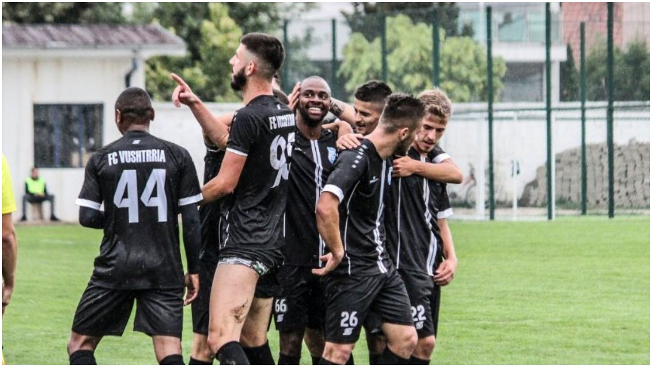 IPKO Superliga/ Barazim spektakolar në Vushtrri, Flamurtari vijon pathyeshmërinë