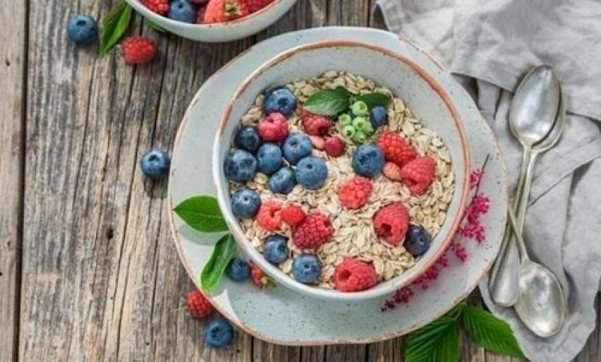 Ushqimet që duhen konsumuar në mëngjes