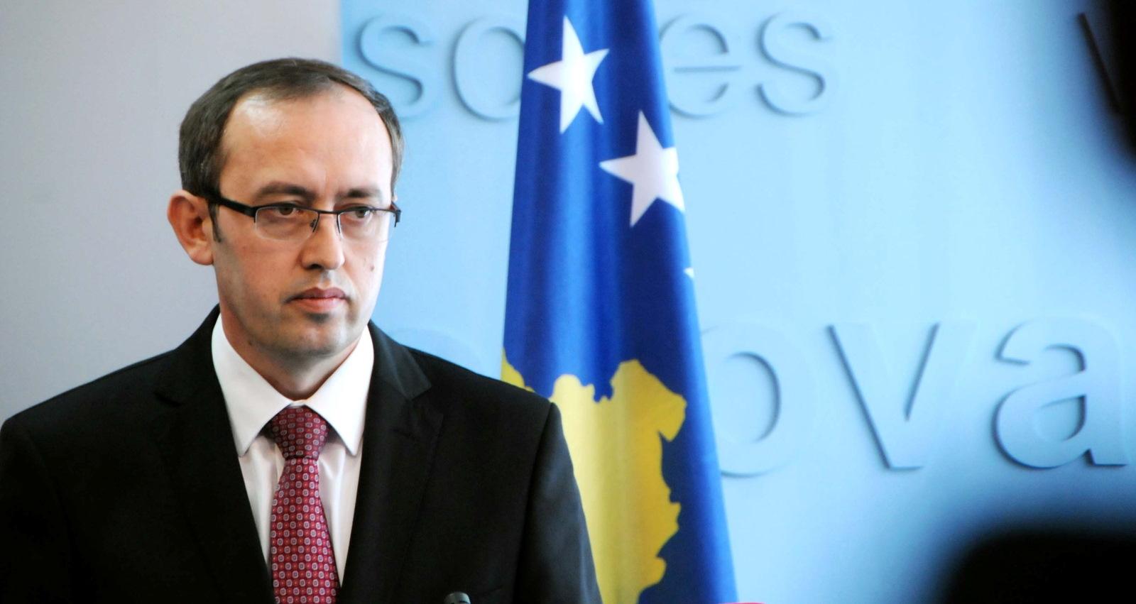 Dialogu  Kosovë-Serbi, Hoti takohet sot me Macronin në Paris