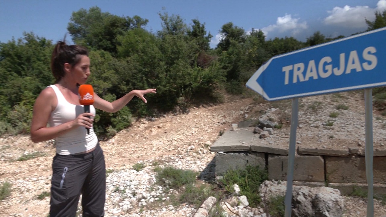 """Fshati që u ndërtua nga dora e njeriut """"braktiset"""" nga turistët, banorët: Rruga është prishur"""