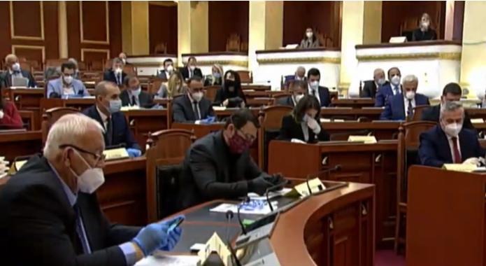 Sot Kuvendi në seancë plenare, masa të shtuara pas 3 deputetëve të infektuar