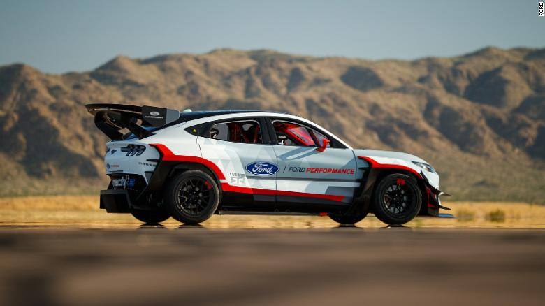 """Ford prezanton """"bishën""""  me 7 motorë elektrikë"""