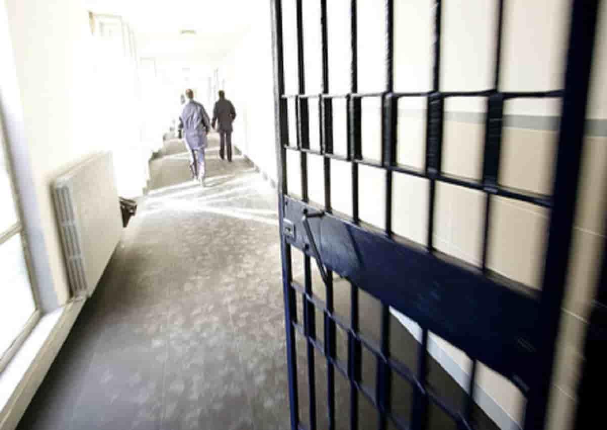 Përleshje e dhunshme në një burg të Italisë, plas sherri mes shqiptarëve dhe tunizianëve
