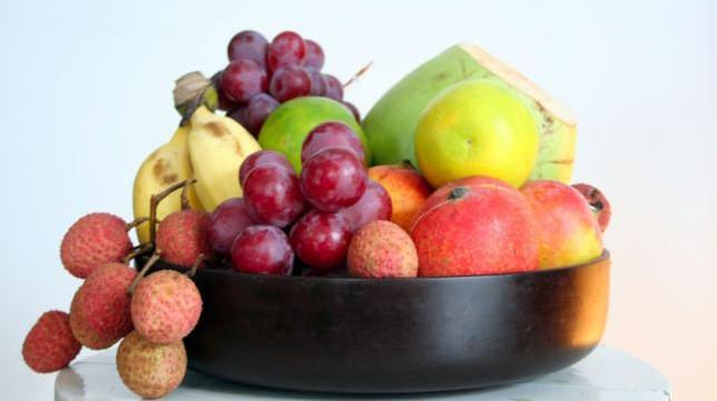 Ushqimet që do t'ju mbajnë të hidratuar gjatë ditëve të nxehta