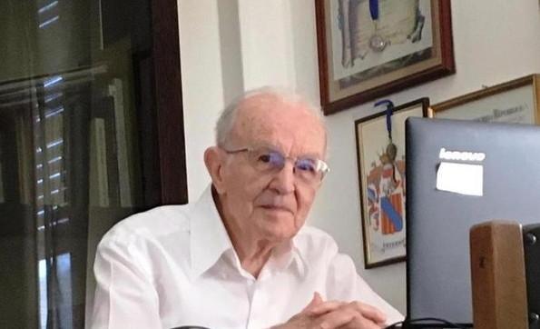 U diplomua në moshën 97-vjeçare: Historia e Giuseppes, studentit më të vjetër italian