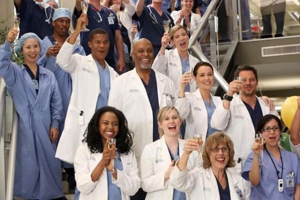 """Pa mbaruar ende, """"Greys Anatomy"""" fillon sezonin e ri dhe në qendër është Covid"""