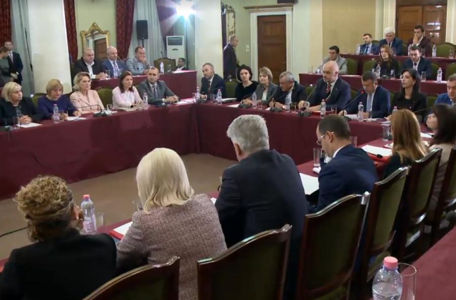 Mazhoranca: I qëndrojmë marrëveshjes, Kodin e Ri zgjedhor e votojmë më 23 korrik
