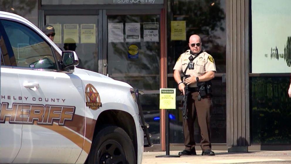 Të shtëna me armë në një qendër tregtare në Alabama, mbetet i vrarë një 8-vjeçar