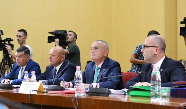 """Mblidhet sot komisioni për shkarkimin e Metës, diskutohet opinioni i """"Venecias"""""""