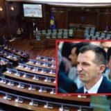 Rezultoi pozitiv me Covid-19, deputeti i AAK-së i pranishëm në seancën e Kuvendit