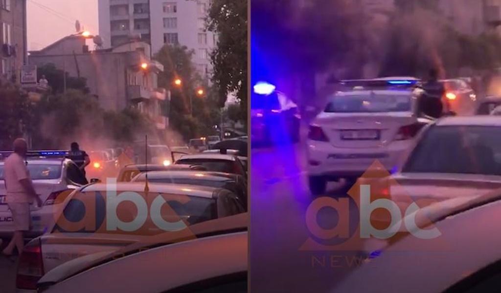 VIDEO/ Përfshihet nga flakët një automjet në Vlorë